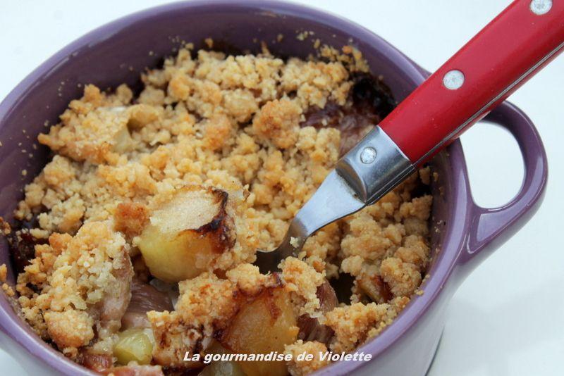 Cassolette d'andouille pommes au  camembert façon crumble
