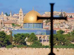 Jérusalem, la ville des deux religions monothéistes et de la religion poly-monothéiste.