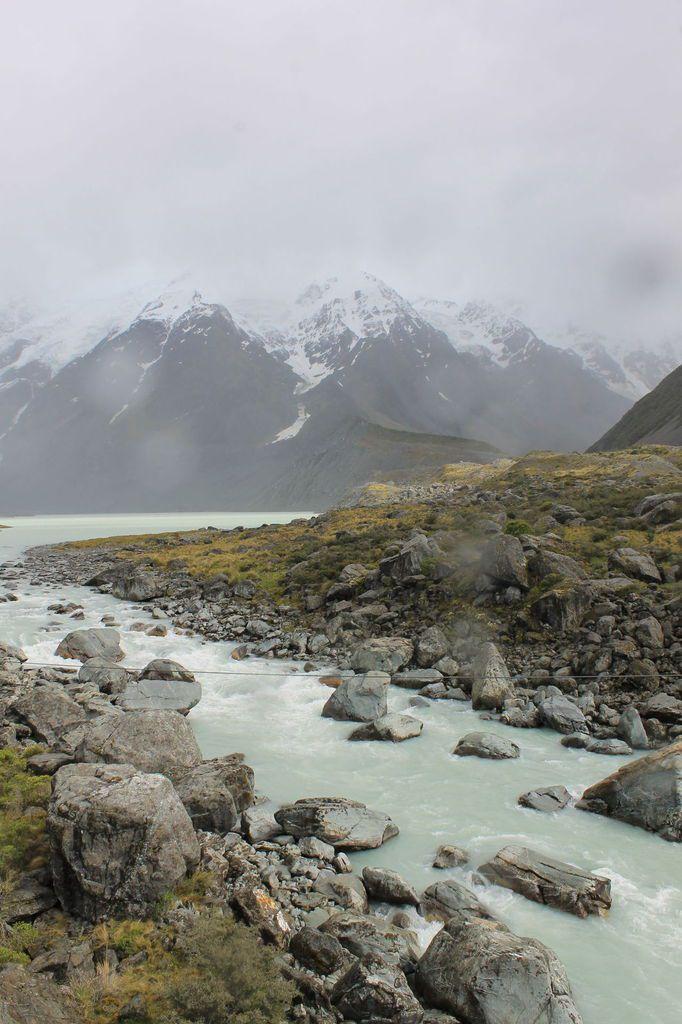 L'île du Sud, ses monts et ses lacs
