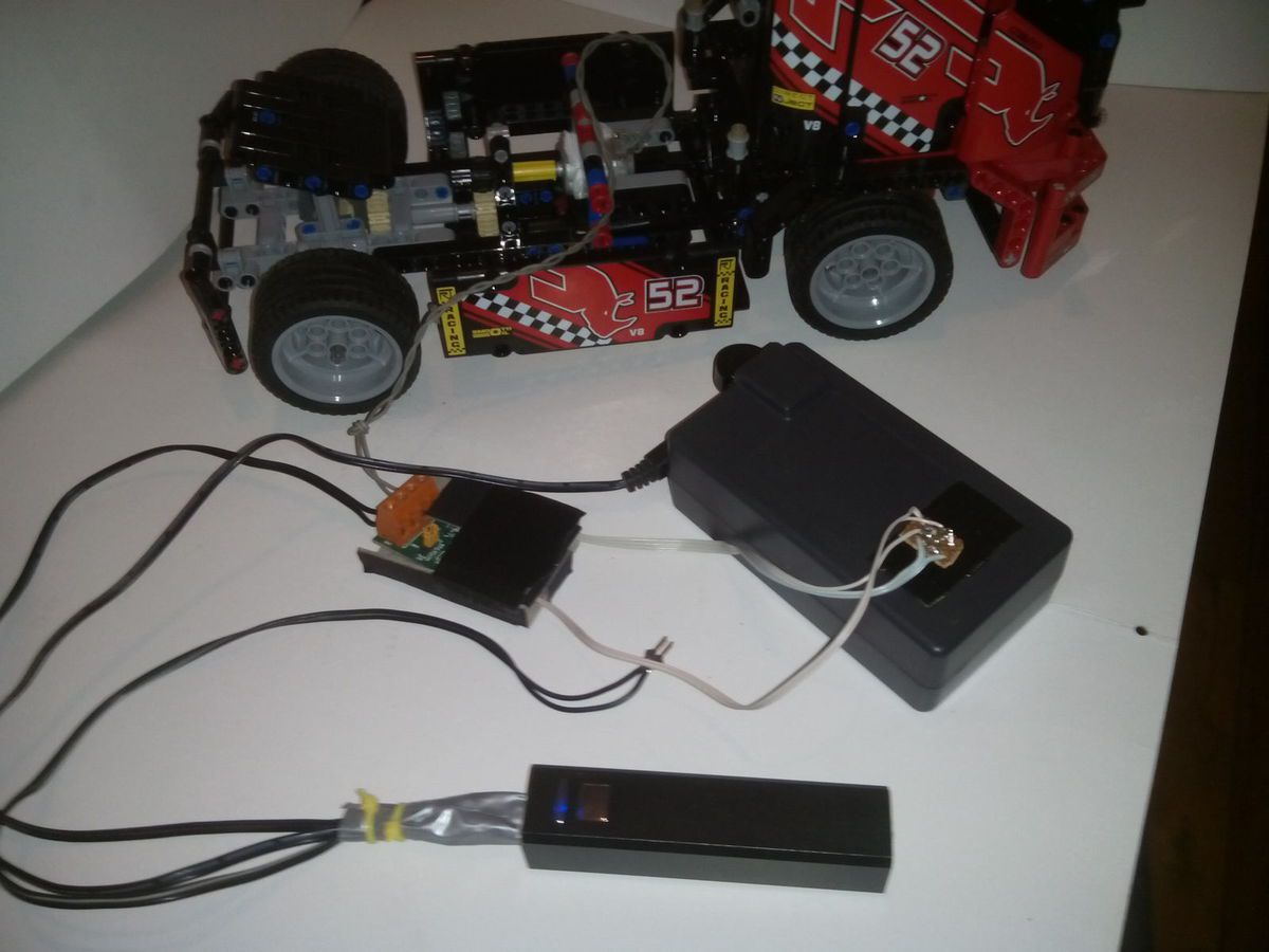 Arduino LEGO Truck (w/ PS4 controller) - Xtase & Androids