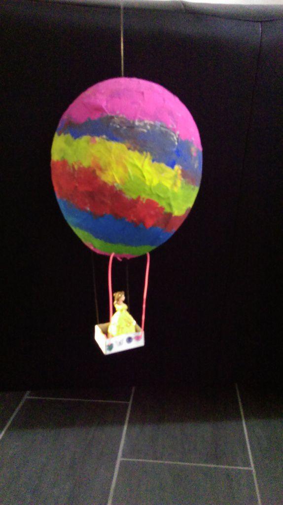 Rendu final de la montgolfière en papier mâché-Etape 4