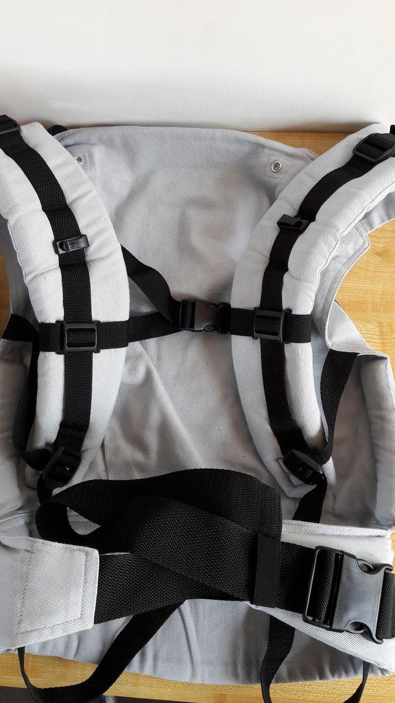 Attache permettant de fixer les brettelles pour éviter qu'elles ne glissent des épaules
