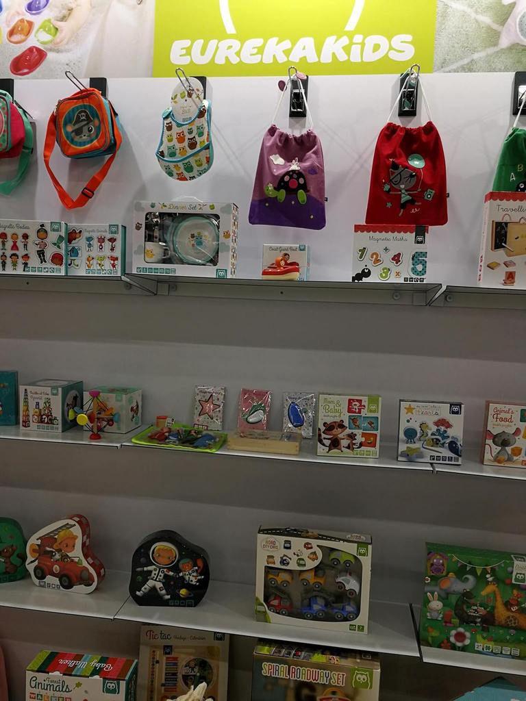 La marque EurekaKids qui propose des jouets pour petis et grands : calendrier, puzzle, blocs à empiler, set de repas...
