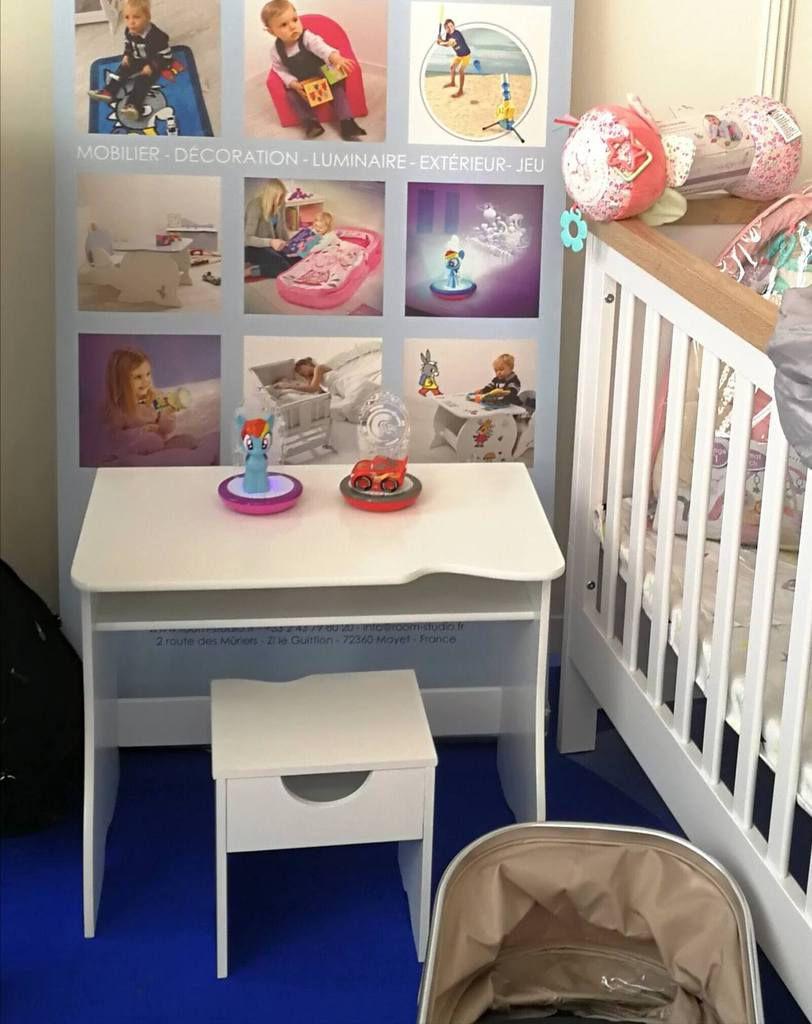 Un joli bureau et son siège assorti par Room Studio