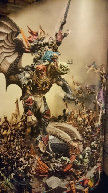Archaon sur un dragon Tricéphale !
