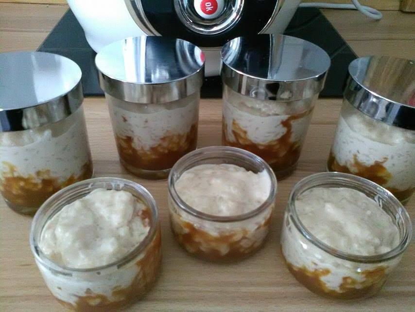 Riz au lait aromatisé à la vanille ( sur son lit de sauce caramel )