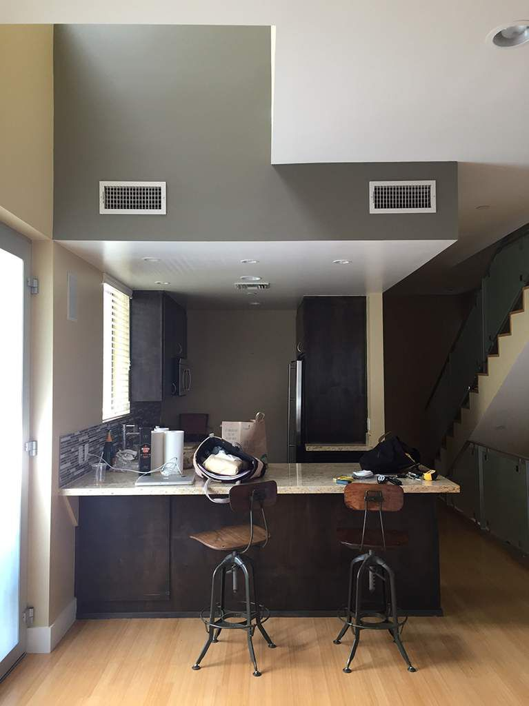 Avant, la cuisine n'était pas bien mise en avant, mal éclairé, presque sinistre