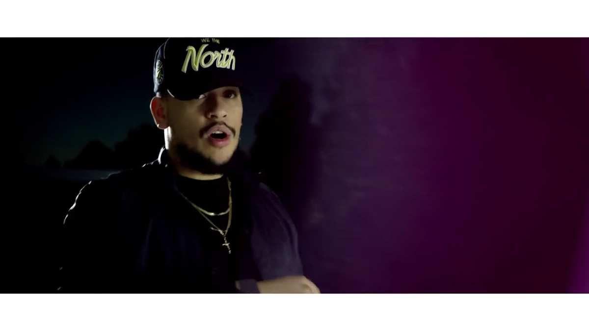 Le rappeur AKA dans le clip de #BounceDeluxe