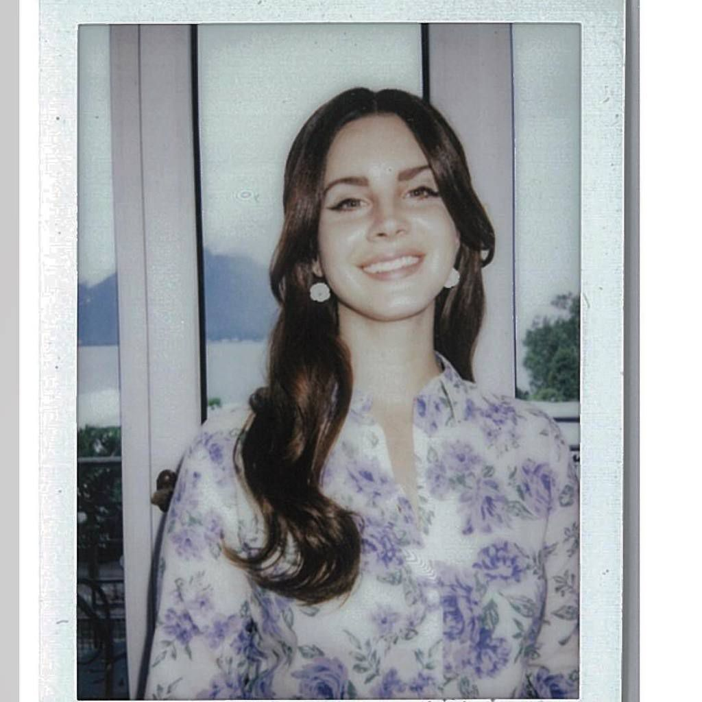 "@lanadelrey: ""Merci Montreux et Locarno X merci pour la photo Johnny"""
