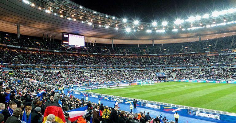 80 000 citoyens à l'assaut du Stade de France : un projet fou mais génial