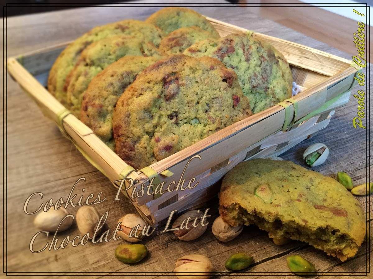 Cookies à la pistache et éclats de chocolat au lait