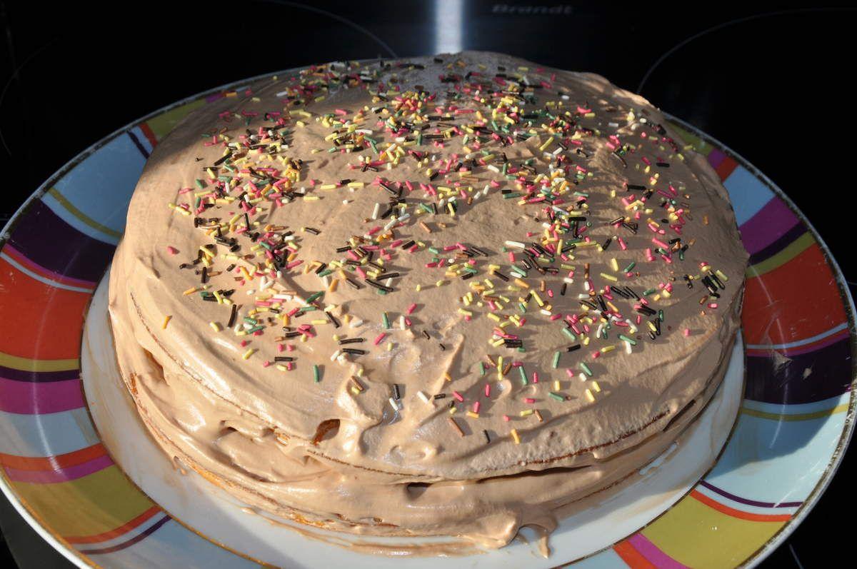 Gateau Yaourt Tres Moelleux Fourre Mousse Chocolat Au Lait La