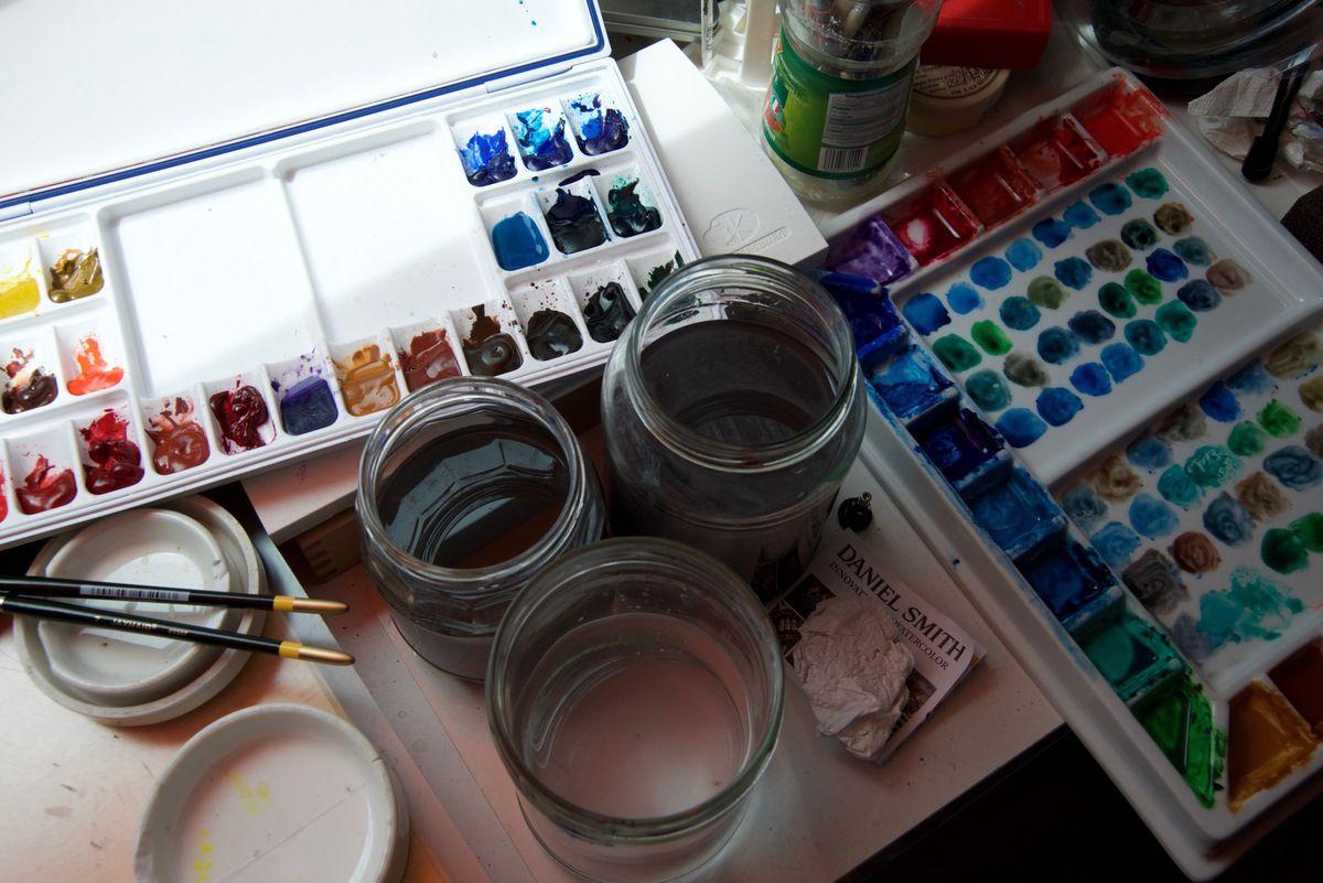 Disposition de ma palette et les point des mélanges pour couvrir une quarantaine de cases sur le nuancier.
