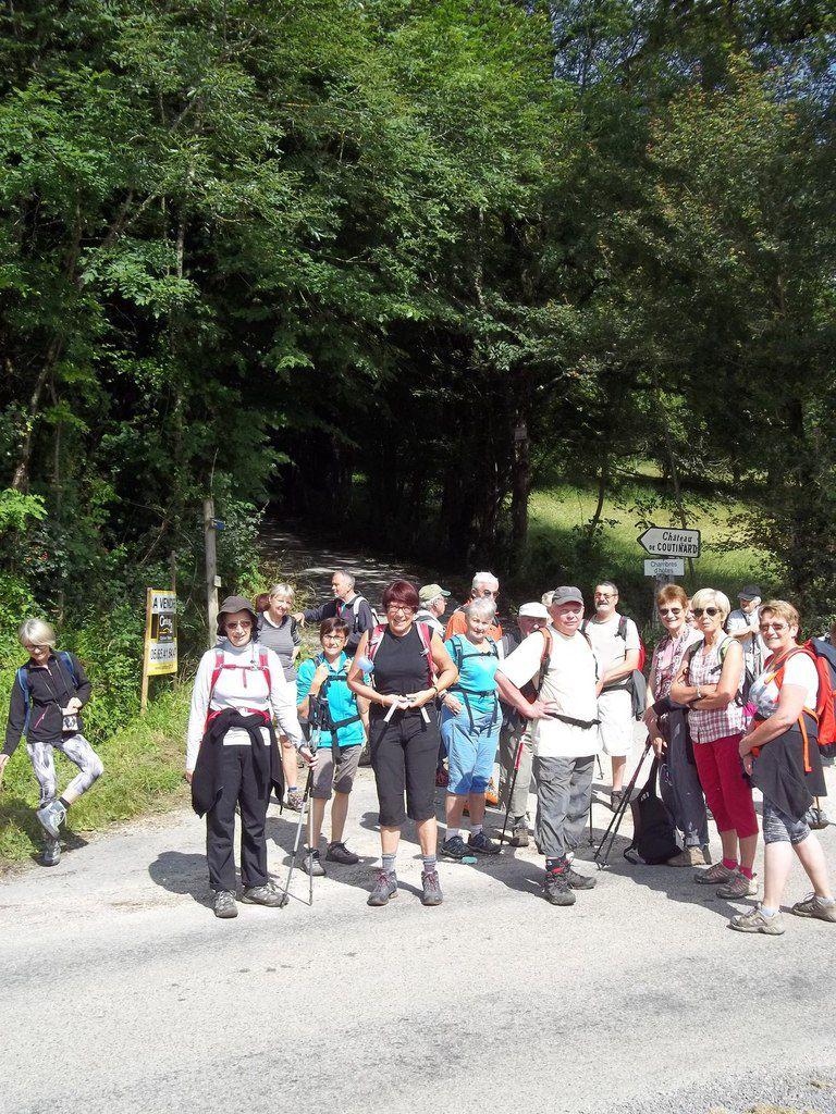 Le moulin de Cougnaguet, Rocamadour, pique nique au bord de l'Ouysse, en haut du roc des Monges, panorama et photos du groupe.