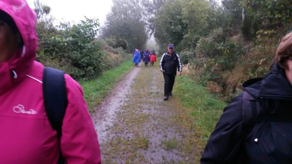 La petite marche n'a pas eu peur du mauvais temps et tout ce petit monde est parti a Luriecq pour une rando de huit kilomètres sous la pluie.