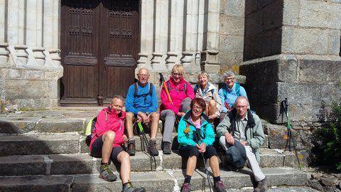 Enfin une belle balade avec un bon dénivelé et de belle vue, pour finir une photo sur les escaliers de l'église de Roche.A bientôt.