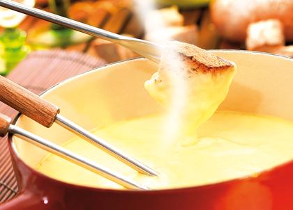 la vraie recette de la fondue savoyarde recettes de cuisine de savoie et de haute savoie. Black Bedroom Furniture Sets. Home Design Ideas