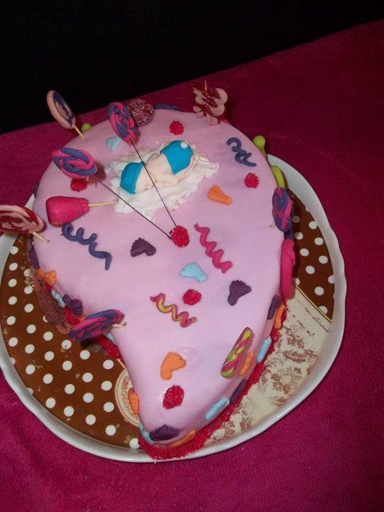 Un de mes premier gateau fait sur le théme des bonbons!