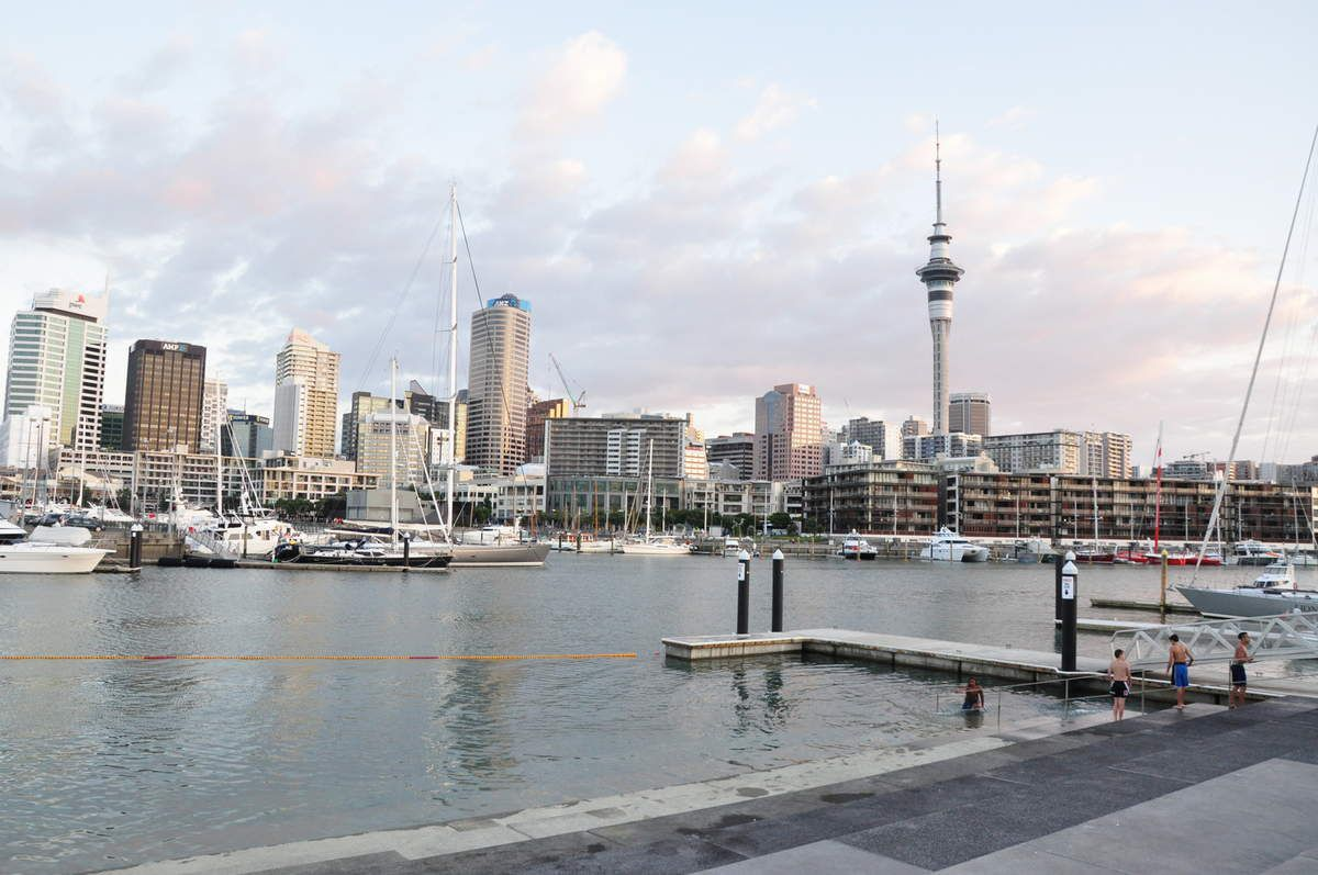 Le Week End a Auckland