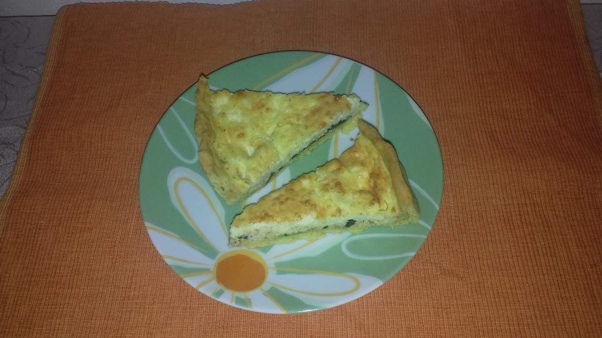A déguster le soir avec un diner léger ou comme entrée, cette recette de tarte est légère et nourrissante, plaira autant aux enfants qu'aux grands.