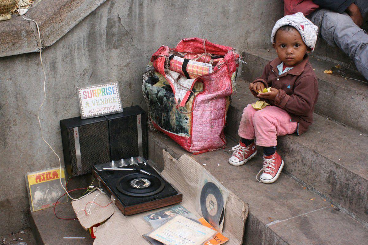 Enfants des rues, des enfants et des sourirs encore et toujours, qui à travers le monde réchauffe le coeur mieux que quiconque...