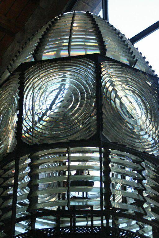 Maquette d'une caravelle de colomb et optimiste à l'échelle 0. Optique de phare.