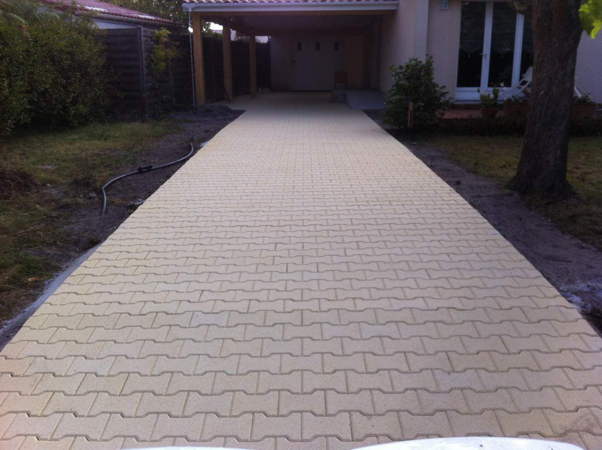 Carrelage design ciffreo bona carrelage moderne design for Grattoir carrelage