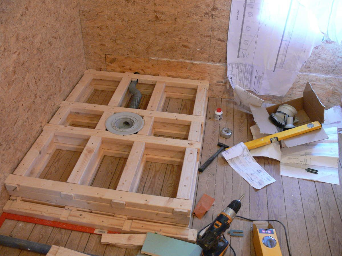 Salle de bain cr ation de la douche renovation maison for Pose carrelage sur osb
