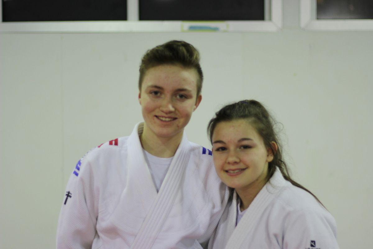 Estelle (à gauche) et Léa (à droite).
