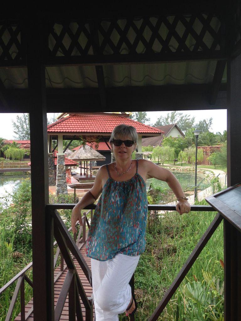Handicraft & Art Village et les sources d'eaux chaudes salées AYER HANGAT VILLAGE
