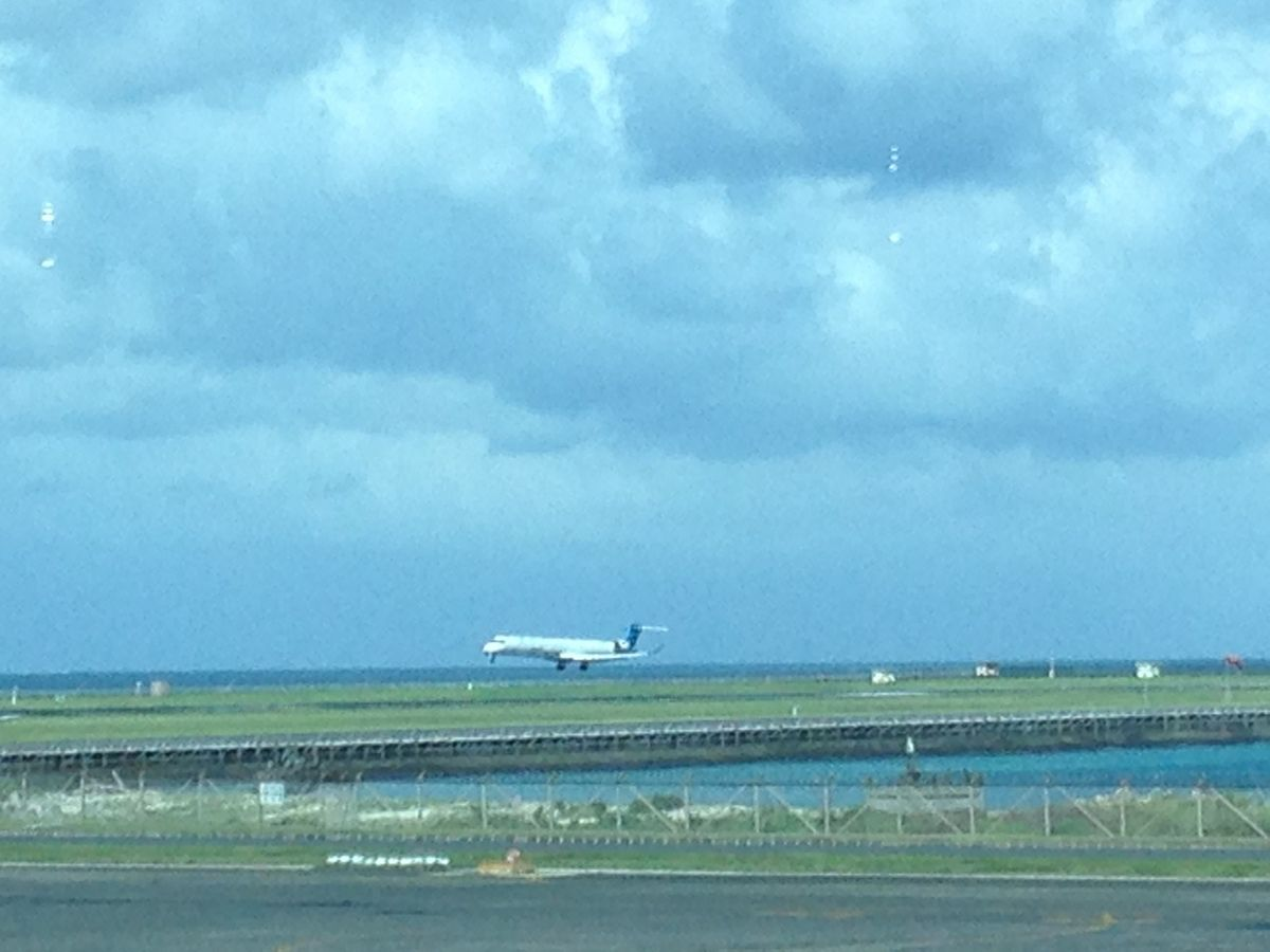 BALI AIRPORT, CLOSE TO THE SEA