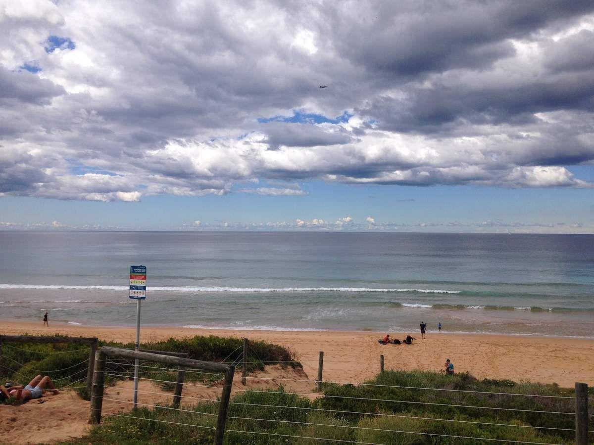 PALM BEACH au nord de Sydney, la montée au phare et la grande plage de sable orangé.