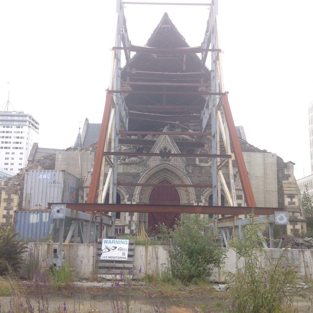 la ville encore meurtrie, 5 ans après le tremblement de terre de 2011