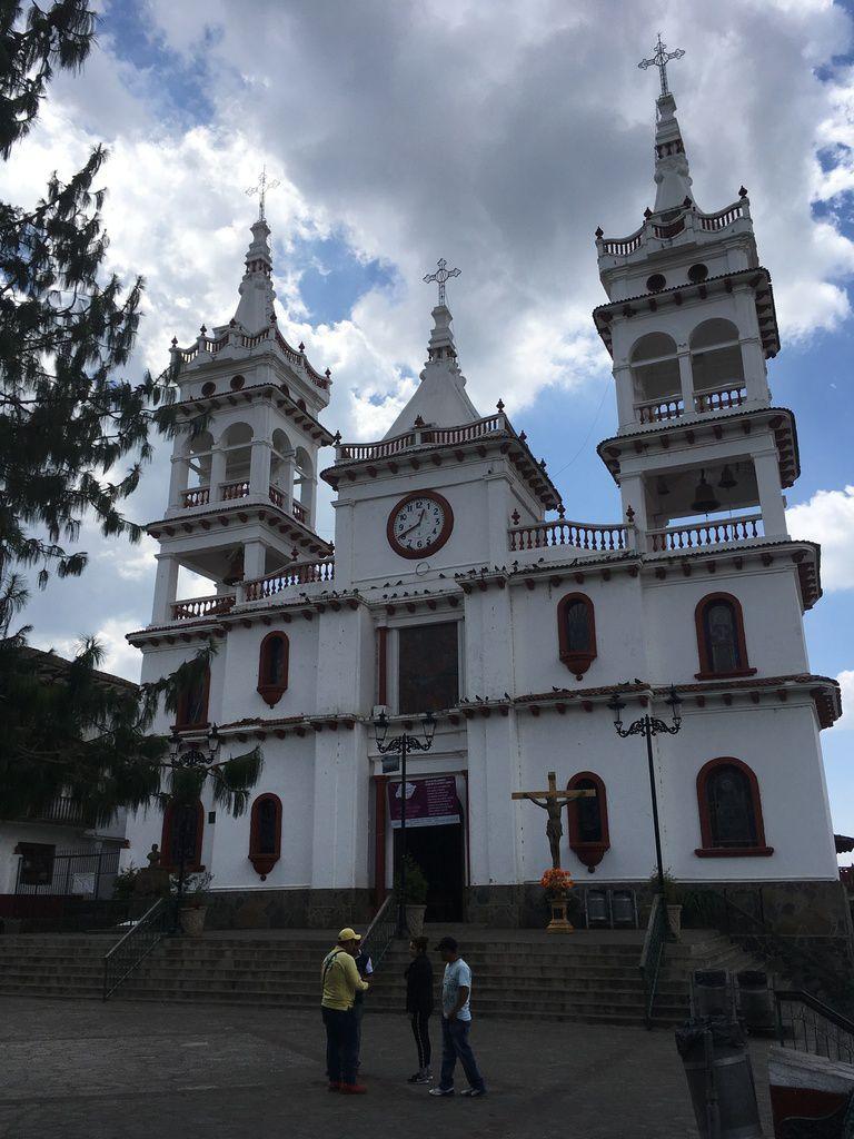 MEXIQUE : URUAPAN et PATZCUARO