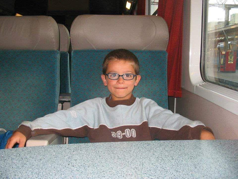 Dans le train direction les vacances avec tatie et compagnie