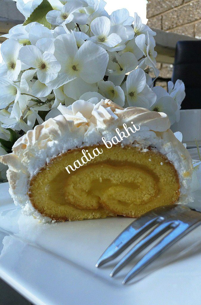 Biscuit roulé au citron meringuée