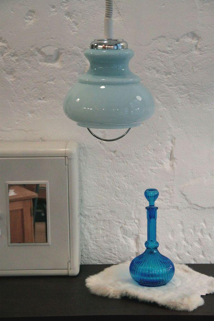 Lustre suspension ancien monte et baisse abat jour en verre opaline bleue vintage (vendu)