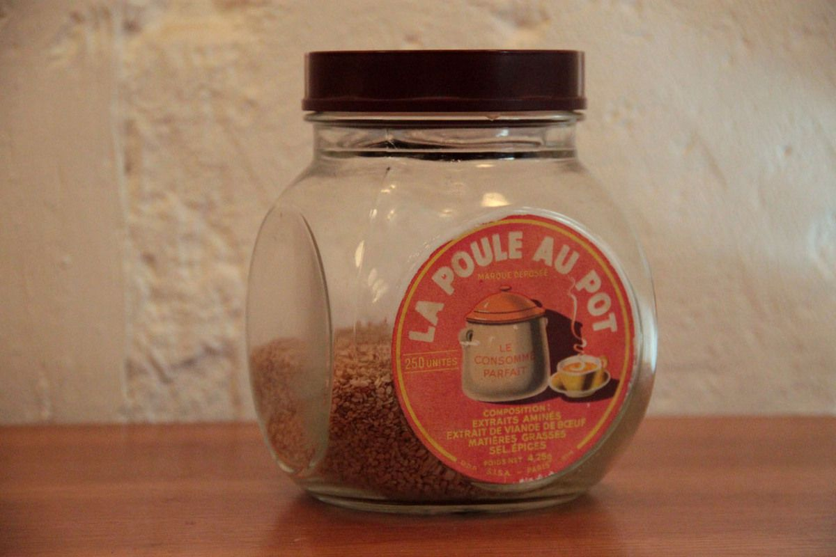 Ancien bocal en verre SISA &quot&#x3B;la poule au pot&quot&#x3B; et son couvercle en bakélite (vendu)