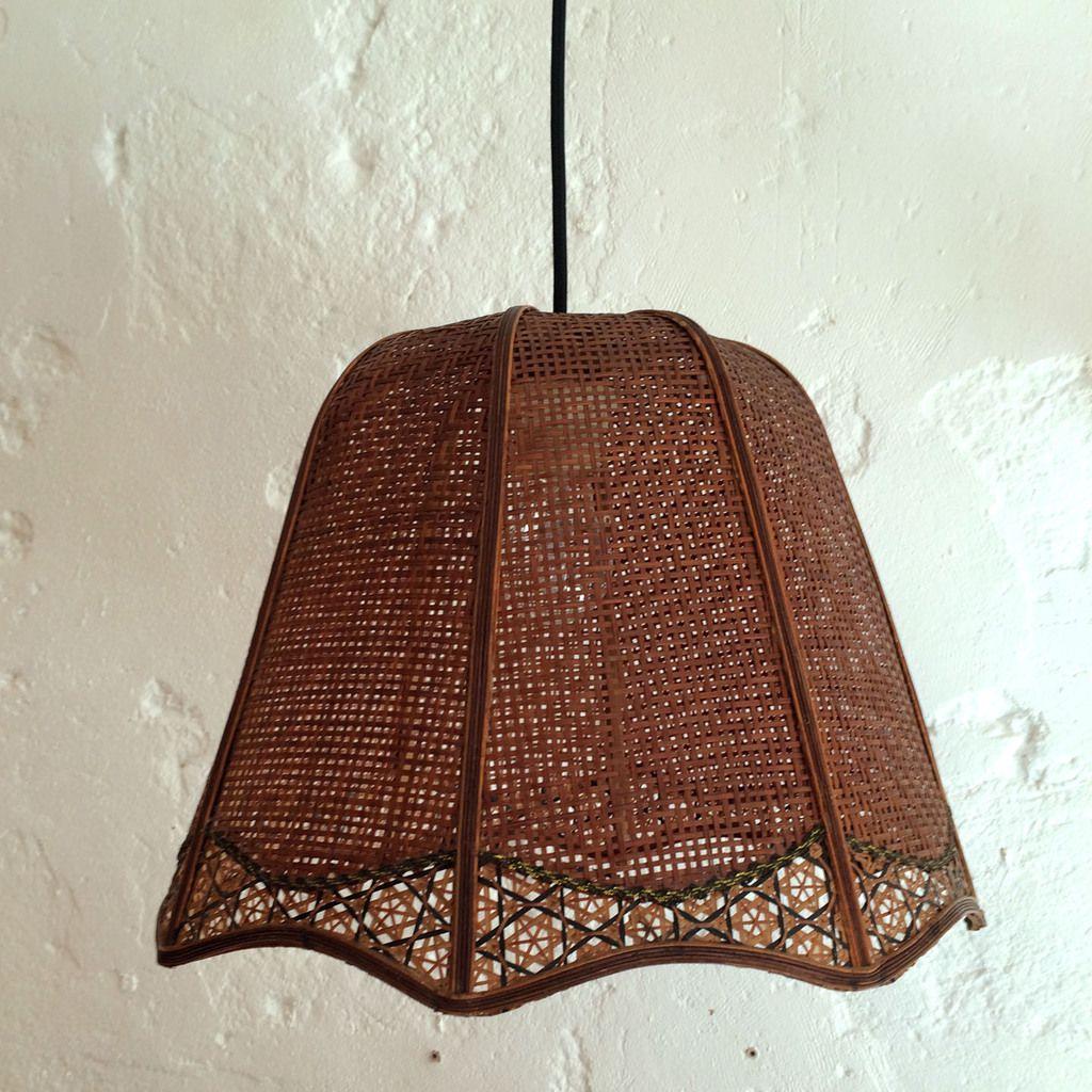 lampe suspension ancienne en rotin cann vendue ibidum. Black Bedroom Furniture Sets. Home Design Ideas