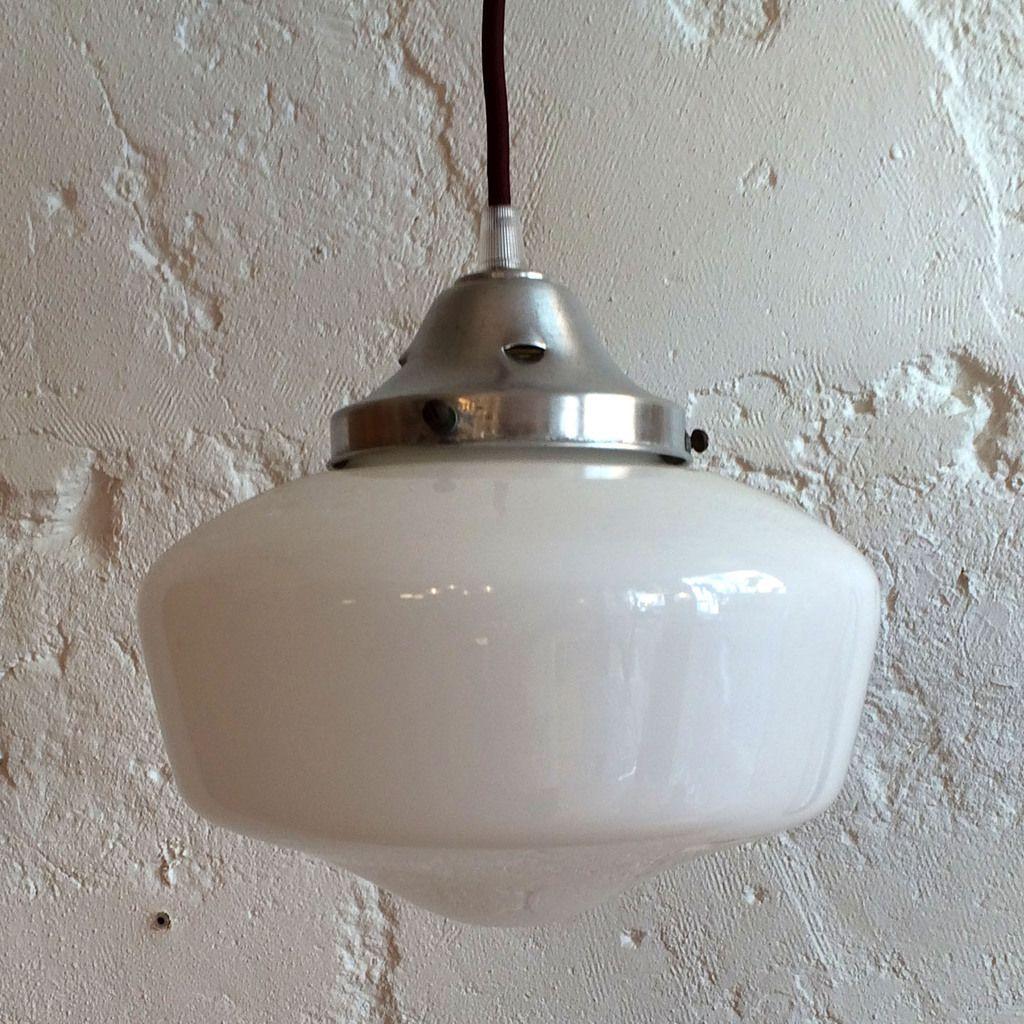 suspension ancien luminaire abat jour en verre opaline blanche vendue ibidum 13 rue