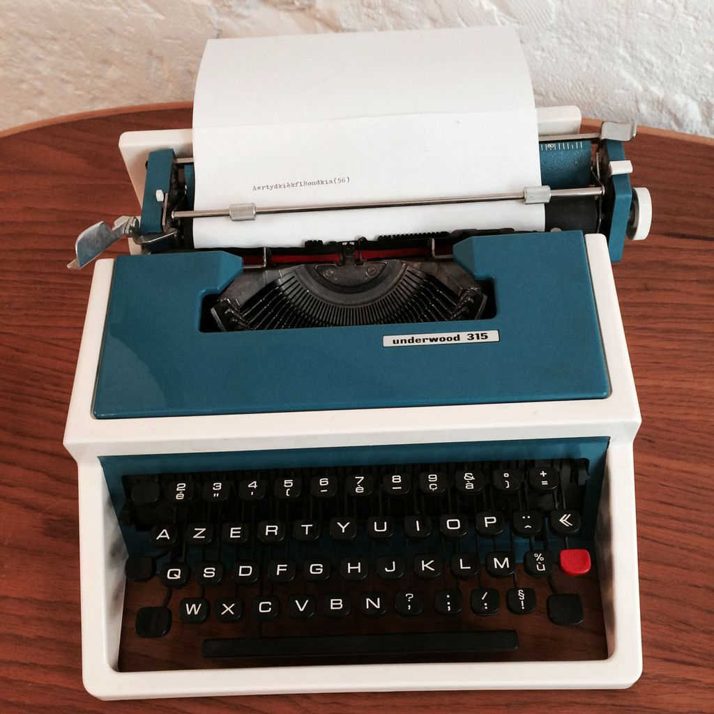 Machine crire vintage underwood 315 bleue vendue - Machine a ecrire underwood ...