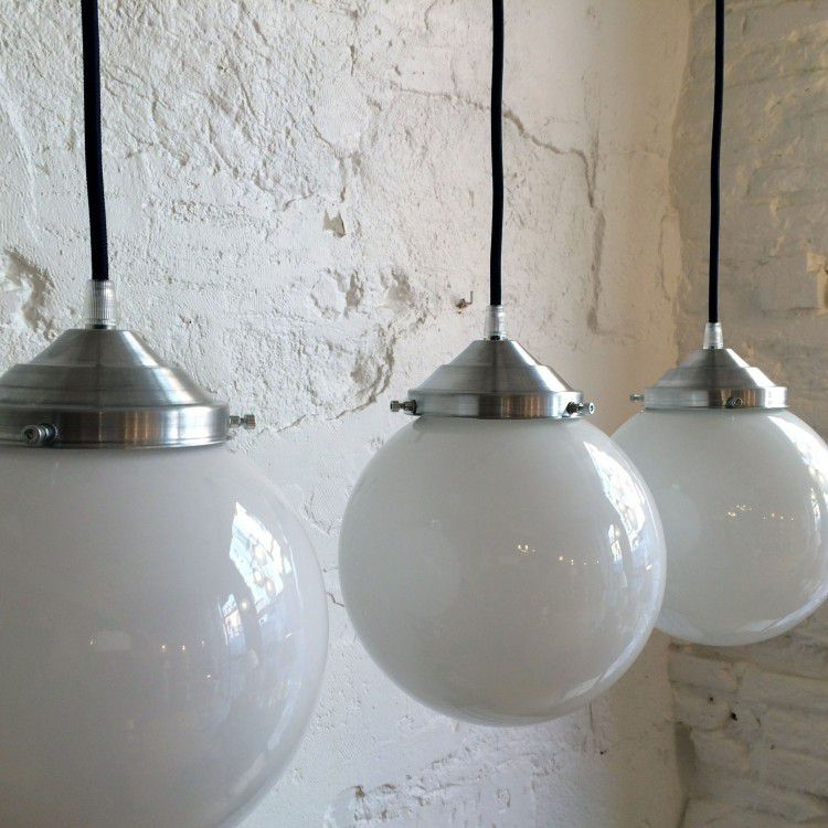 Luminaires ibidum 13 rue de la fonderie toulouse for Lampe suspension blanche