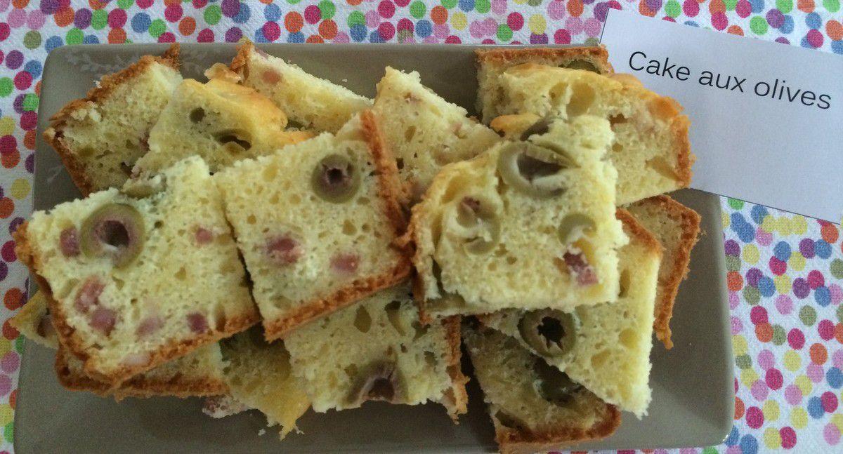 Le cake aux olives et lardons