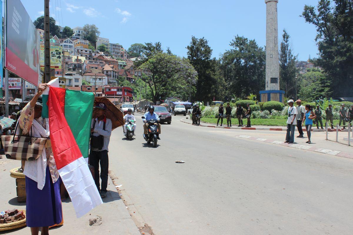Nosy Malagasy. Sary miisa 85 tao Ambohijatovo, ny 12 Desambra 2015