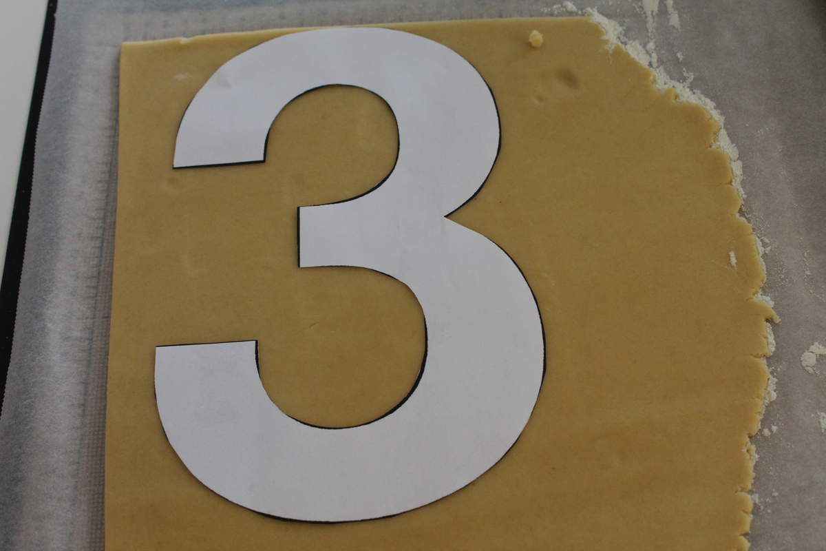 how to make a number 8 cake