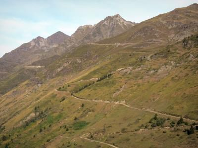 http://www.france-voyage.com/photos/paysages-pyrenees-1