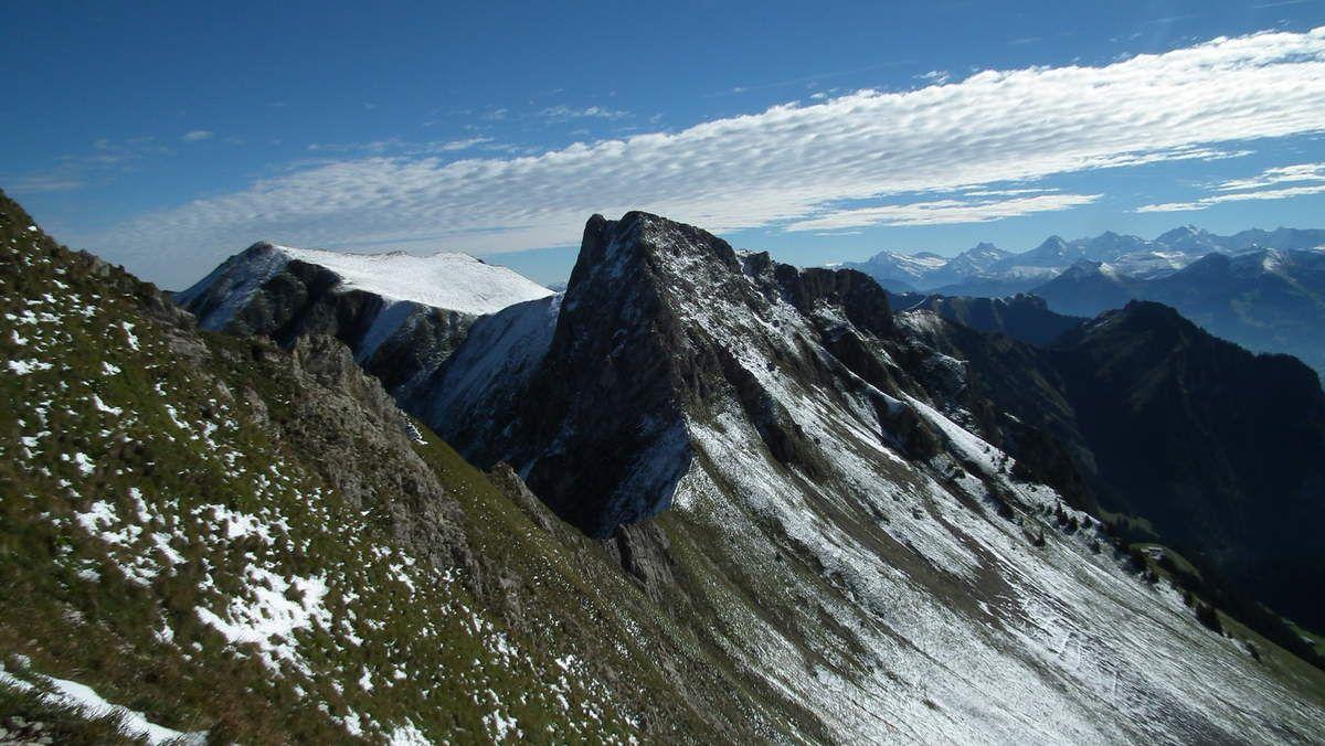 Ochse (2188m) et Bürgle (2165m), chaîne du Gantrisch.