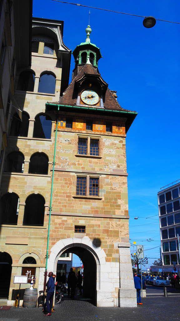 La Place et la Tour du Molard