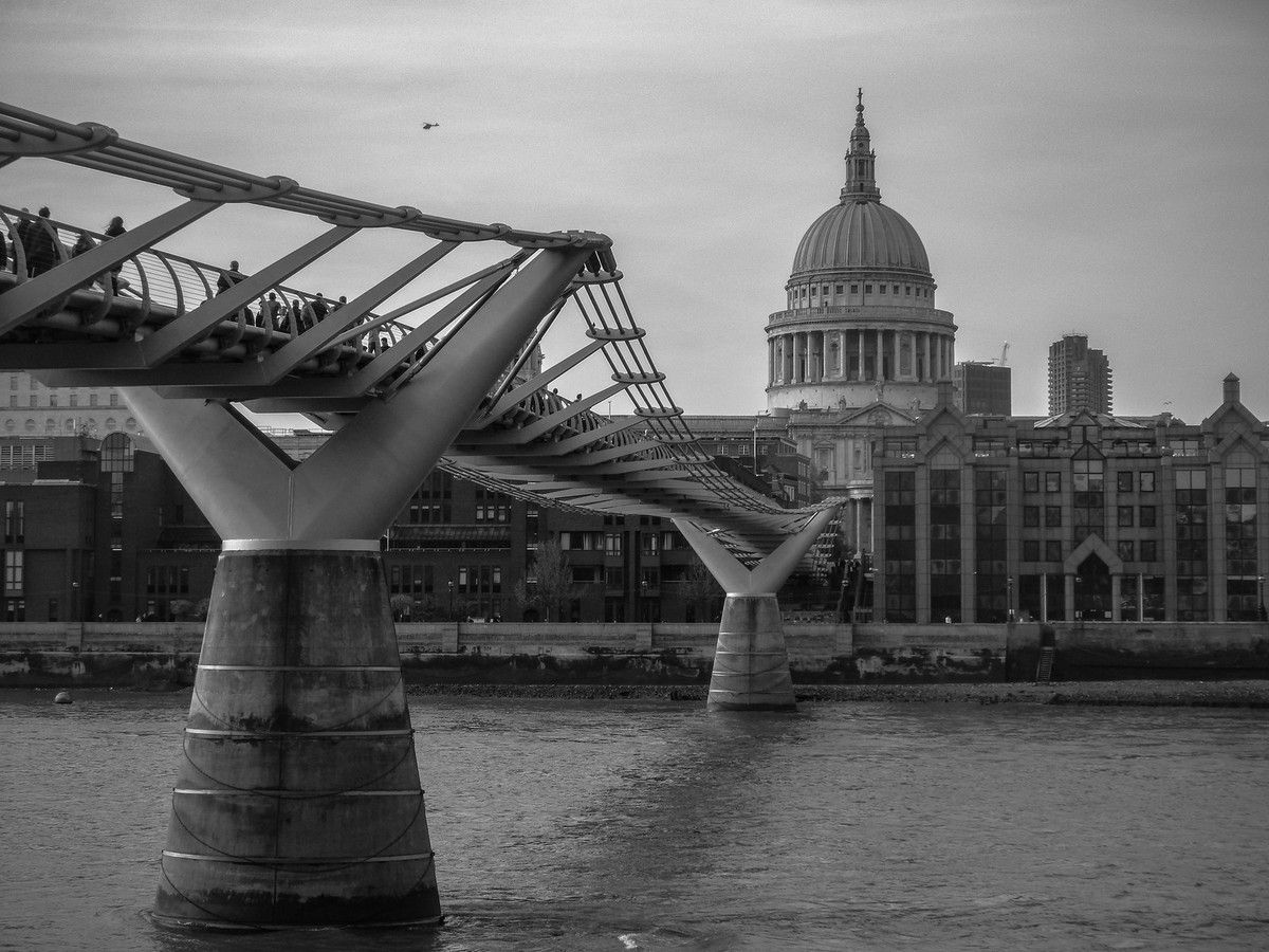 Saint Paul et Millenium Bridge