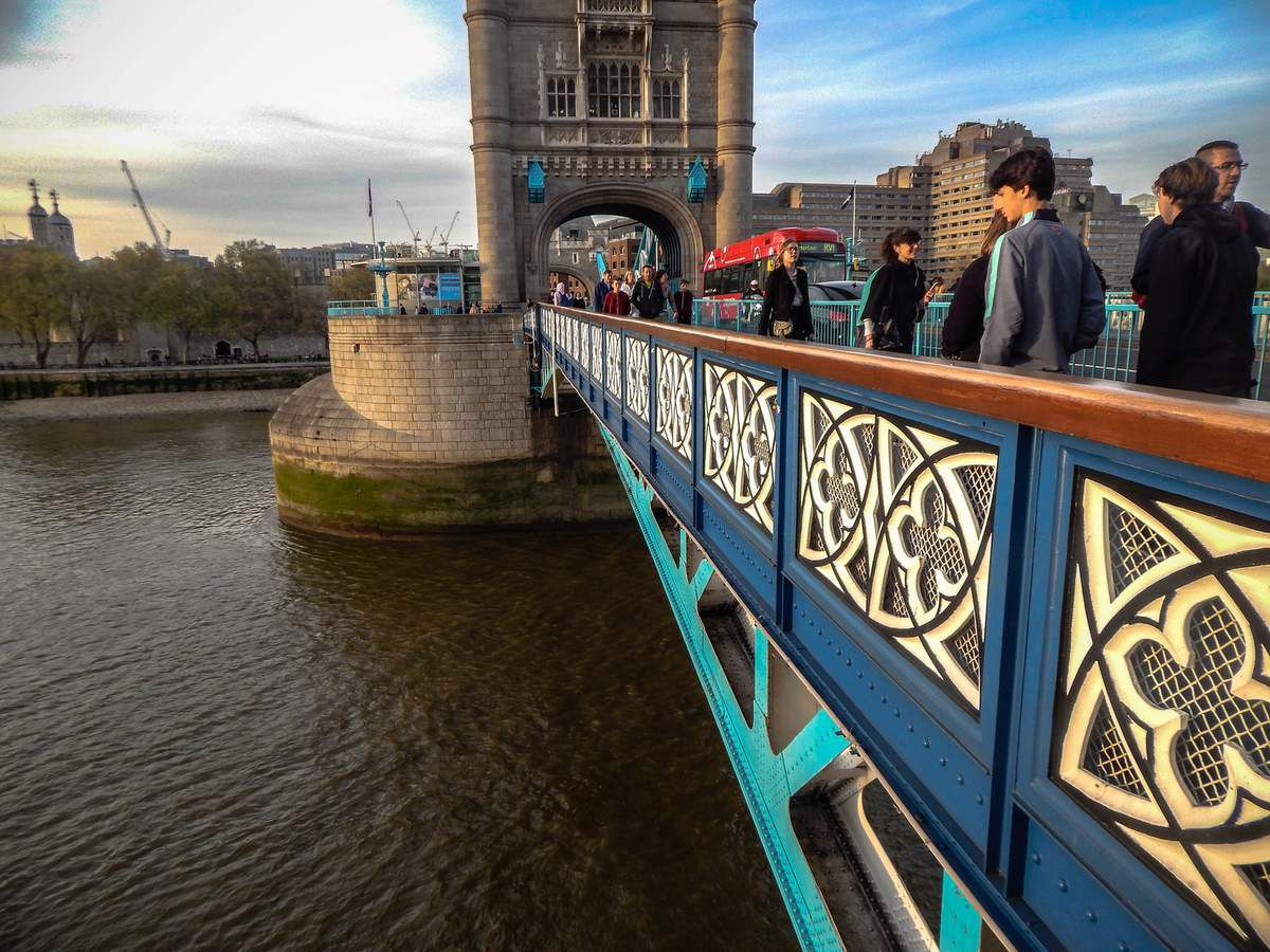 La foule sur Tower Bridge